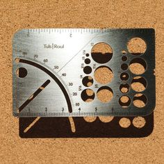 Roul is a world-ready tool with both metric and standard scales, a square that can also find any angle with the on-board protractor, a perfect plum