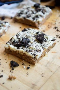 no bake cookies and cream protein bars / the nutritious kitchen