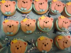 - Teddybear baby shower cupcakes