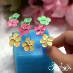 Diy Crafts Hacks, Diy Crafts For Gifts, Crafts For Teens, Fun Crafts, Paper Crafts, Nail Polish Flowers, Nail Polish Jewelry, Nail Polish Crafts, Wire Flowers
