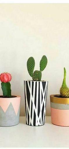 Ceramic Pots, Cactus Y Suculentas, Painted Pots, Ceramic Design, Diy Painting, Sculpture, Flower Decorations, Flower Pots, Projects To Try