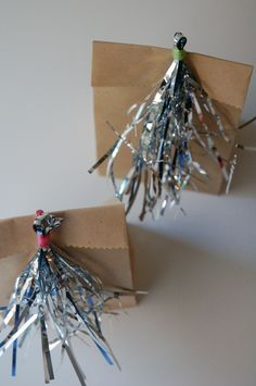 decorate-the-bags - New Year's Eve ideas with kids