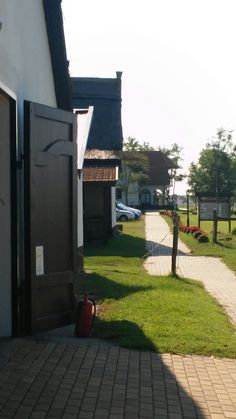 Kunság Major Kerekegyháza Garage Doors, Sidewalk, Outdoor Decor, Home Decor, Walkway, Homemade Home Decor, Decoration Home, Walkways, Interior Decorating