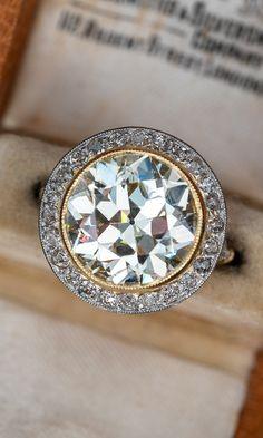 Lovely 6 Carat 💎 Sku REM17532 Diamond Jewelry, Jewelry Rings, Jewelery, Fine Jewelry, Vintage Style Rings, Vintage Jewelry, Fashion Rings, Fashion Jewelry, Romancing The Stone