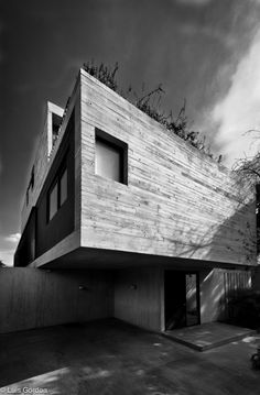 Completed in 2011 in Mexico City, Mexico. Images by Sandra Pereznieto . © Sandra Pereznieto Located in a residential area in the central part of Mexico City, the house becomes an exercise to achieve simultaneously. Wall Finishes, Mexico City, Stairs, Black And White, Interior Design, Architecture, Outdoor Decor, Modern, Artwork