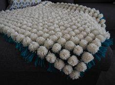 Soft Pom Pom blanket for a baby  #baby #pompom #blanket #handmade