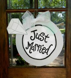 Items similar to Just Married Giant Wedding Ring Door Hanger on Etsy Wedding Door Hangers, Wedding Doors, Burlap Door Hangers, Burlap Projects, Burlap Crafts, Diy And Crafts, Wood Crafts, Diy Projects, Wedding Ring