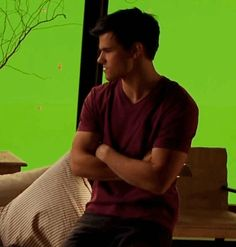 Taylor Lautner especially thinks it's hilarious!
