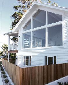 √ 43 back patio of bedroom of luxury home 34 Hamptons Style Homes, Hamptons House, Australian Homes, Back Patio, Facade House, Home Reno, White Houses, Coastal Homes, House Goals