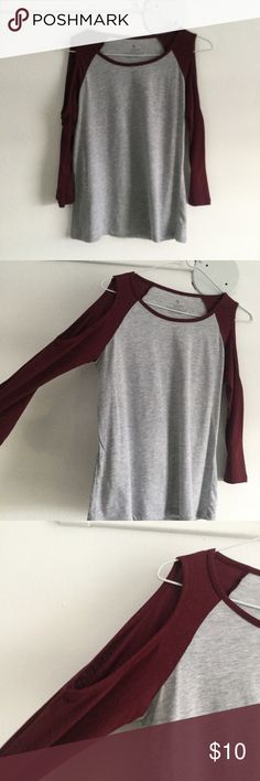 Top Gray and wine color. Shoulder are free. Tops