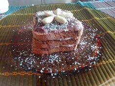 Fette biscottate con crema vaniglia e cocco, cacao e mandorle, per iniziare la giornata con il pieno di energie :)