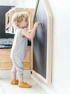 House Blackboard - Simply Child Interiors - Kids room - Home Baran Baby Room Decor, Nursery Room, Girl Room, Kids Bedroom, Child Room, Modern Kids Furniture, Playroom Furniture, Baby Furniture, Chambre Nolan