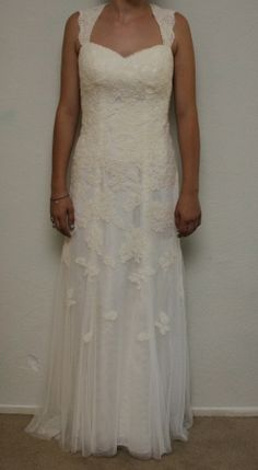 David's Bridal Lace Cap-sleeve Trumpet W/ Keyhole Back, Vw9768.