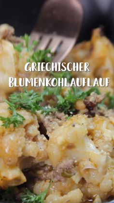 Griechischer Blumenkohlauflauf Mmmmhhh, a delicious layer of minced meat is hidden under cheese and cauliflower. We can't get enough of this hearty and spicy casserole! Traditional Thanksgiving Recipes, Healthy Thanksgiving Recipes, Healthy Appetizers, Appetizer Recipes, Dinner Recipes, Healthy Side Dishes, Side Dishes Easy, Healthy Chicken Recipes, Meat Recipes