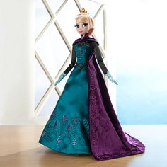Our new Limited Edition Elsa Doll. Available to pre-order starting January 10, online and in select stores. Limited Edition of 5,000. #DisneyFrozen