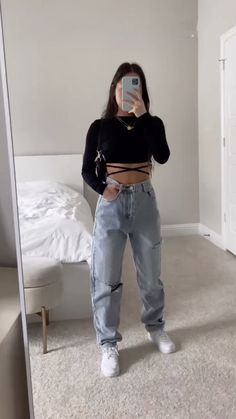 Teen Fashion Outfits, Swag Outfits, Retro Outfits, Girl Outfits, Cute Comfy Outfits, Stylish Outfits, Streetwear Fashion, Aesthetic Clothes, Cute Putfits