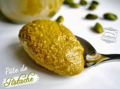 http://www.iletaitunefoislapatisserie.com/2013/10/pate-de-pistache-maison.html