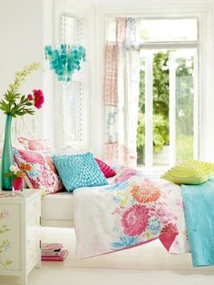 Swing into spring with flowery home decor | Passion for living
