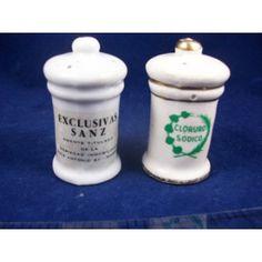 Snp-Etc - Novelty Salt and Pepper Shakers - Souvenir Vintage Spain Madrid Exclusivas Sanz $4.95