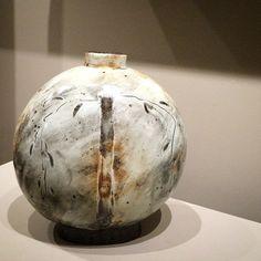 #leekanghyo #korean #potter #ceramics #bottle #tree #decoration #exhibition #puncheong #buncheong #onggi #goldmark #goldmarkgallery