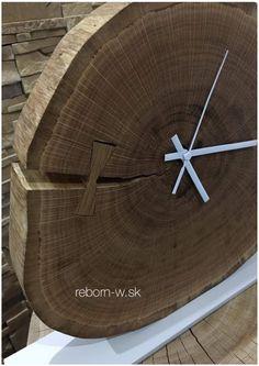 """⏳🕰""""Mesiace a roky ubiehajú a sú stále vzdialenejšie, ale krásna chvíľa presvetľuje celý život. Okamih nepodlieha času."""" - Voltaire  👉🏻🛍 http://reborn-w.sk/sk/ostatne/50-stolove-hodiny-loop.html  #time #clock #wood #oakclock #solidwood #handmade #woodworking #design #interior #home #moments #anotheryearbehindus #nature #love #rebornwsk"""