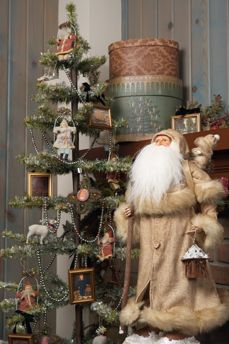 SEASONAL – CHRISTMAS – the magic of the holiday makes another appearance in an adorable presentation of holiday decor from the ragon house collection of vintage home decor. Primitive Christmas Decorating, Primitive Christmas Tree, Primitive Santa, Country Christmas, Vintage Christmas, Christmas Past, Winter Christmas, All Things Christmas, Christmas Crafts