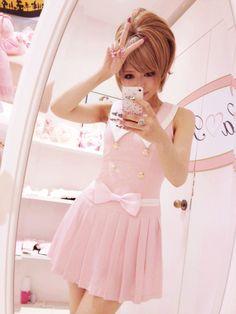 awesome via My Darling Rainbow mydarlingrainbow. Gyaru Fashion, Kawaii Fashion, Lolita Fashion, Cute Fashion, Fashion Outfits, Japanese Street Fashion, Korean Fashion, Mode Pastel, Japan Kawaii