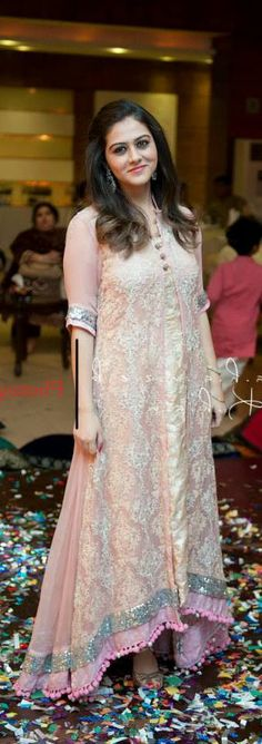 so pretty. Pakistani Wedding Dresses, Pakistani Outfits, Indian Dresses, Indian Outfits, Western Dresses, Western Outfits, India Fashion, Ethnic Fashion, Asian Fashion