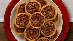 ⭐️⭐️⭐️⭐️⭐️ Mini Pecan Pies, Karo Syrup - easy to make. Used light corn syrup and baked on for 22 minutes. Be careful not to overfill-creates a sticky hard texture making it difficult to remove from the mini muffin cups. Mini Pecan Pies, Pecan Tarts, Mini Pies, Mini Desserts, Christmas Desserts, Delicious Desserts, Christmas Treats, Christmas Recipes, Holiday Recipes