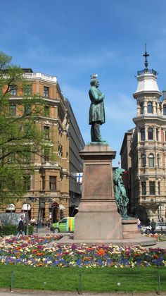 Statue of Finnish poet/author Johan Ludwig Runeberg in Esplanade park, Helsinki Visit Helsinki, Asia City, Finland Travel, Beautiful Buildings, Best Cities, Stockholm, Denmark, Night Life, Norway