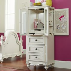 So many hiding spaces for awesome storage!