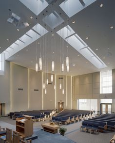 Williams Spurgeon Kuhl & Freshnock Architects focuses on sustainable design for public buildings, churches, industrial buildings & more in KCMO & beyond. Church Interior Design, Church Stage Design, Hall Interior, Interior Concept, Church Architecture, Religious Architecture, Modern Architecture, Church Lobby, Church Foyer