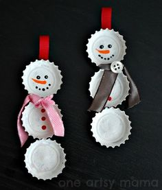 Bottle Cap Snowman Ornaments :: One Artsy Mama. I have a TON of baby food jar lids. Perfect!
