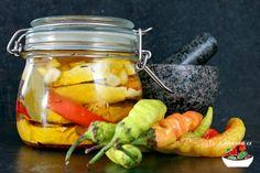 Nakládaný hermelín | Jíme rádi Pickles, Cucumber, Cauliflowers, Pickle, Zucchini, Pickling