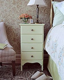Martha Stewart Tutorial - painting wooden furniture