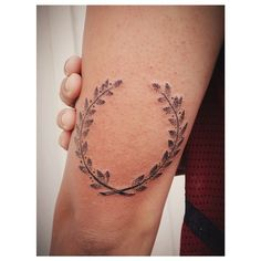 Thousands of ideas about wreath tattoo on pinterest for Full circle tattoo