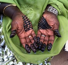 Africa   Close up of a woman's hands on the Island of Gorée, Senegal   ©Marina Ricou