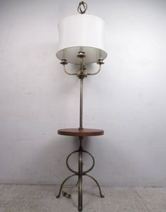 Mid-Century Modern Floor Lamp by Tommy Parzinger 2
