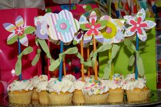 20 Flower crafts for kids.from cupcakes to Handprint flowers Fun Crafts For Teens, Easy Preschool Crafts, Craft Activities For Kids, Craft Ideas, Kid Crafts, First Birthday Cupcakes, First Birthday Parties, First Birthdays, Birthday Ideas