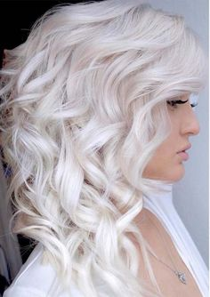 You can see here some of the best shades of platinum blonde hair colors to copy this year. Platinum and ice blonde is one of the fantastic hair colors to wear in this year.