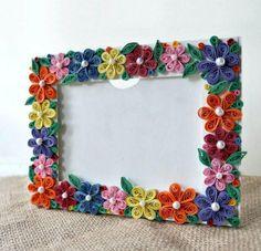 Quilled Flower Photo Frame Craft | AllFreePaperCrafts.com