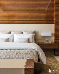 The beauty of eucalyptus walls. #LuxeAtHome. @sandow | Photo: @nickjohnsoninteriors; Architecture and Interiors: @charlesrstinson; Builder:…