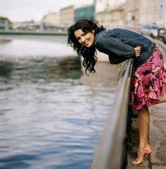 Photos: Anna Bolena at Zurich Opera - Anna Netrebko - Soprano Beautiful Voice, Beautiful People, Beautiful Women, Opera Singers, Celebrity Portraits, Musical, Role Models, Style Icons, Anna
