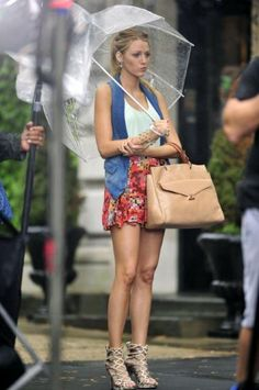 Love the umbrella! - Yvonne