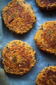 jadłonomia · Vegetable rules: Gluten-free burgers with sweet potato Lactose Free Recipes, Vegan Gluten Free, Vegan Vegetarian, Vegetarian Recipes, Healthy Recipes, Vege Burgers, Eat Happy, Other Recipes, Food Inspiration