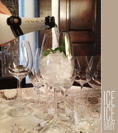 Champa com gelo e filetes de casca de limão ou laranja. Veja como fazer: http://www.casadevalentina.com.br/blog/materia/champa-com-gelo.html #receita #recipes #drink #casadevalentina
