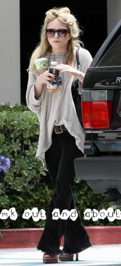 Mary-Kate Olsen out and about in LA. Ashley Olsen Style, Olsen Twins Style, Fashion Line, Boho Fashion, Style Fashion, Outfits Fo, Fashion Outfits, Style And Grace, My Style