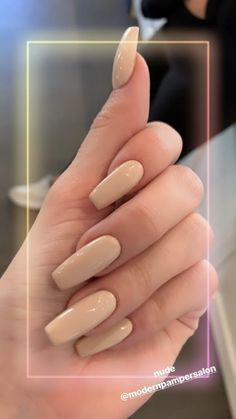 Kylie Jenner is a nail idol. If you want to learn Kylie Jenner's nails, nail shapes, nail designs and nail colors, this guide is definitely for you. Square Acrylic Nails, Best Acrylic Nails, Square Nails, Acrylic Nail Designs, Acrylic Nails Kylie Jenner, Kylie Jenner Nails, Trendy Nails, Cute Nails, My Nails