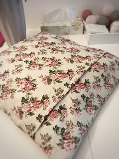 Diy Pillows, Handmade, Blog, Fashion, Throw Pillows, Moda, Hand Made, Fashion Styles, Blogging