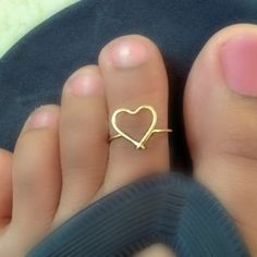 Heart Toe Ring by catchalljewelry on Etsy Toe Polish, Body Jewelry, Unique Jewelry, Toe Nail Designs, Bare Foot Sandals, Pretty Shoes, Toe Rings, Sexy Feet, Toe Nails